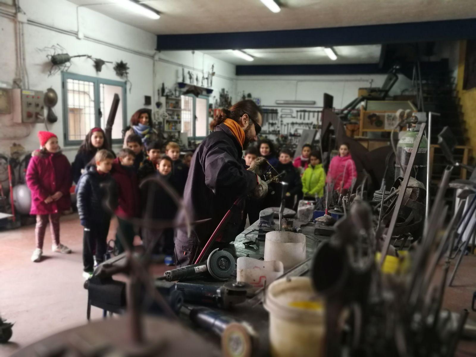 Demostracion en el taller con los niños