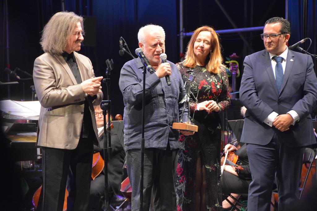 XIII Gala de la Música. Entrega del premio a Juan Echanove.